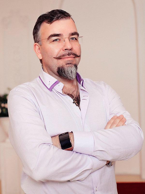 """Сеть студий авторской заточки Юрия Балабанова """"Стилет"""""""
